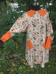 1930s button-back artistic smock