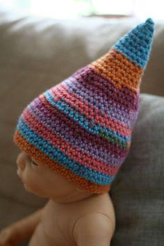 Baby-Spitzhut gehäkelt http://de.dawanda.com/shop/RorysHandmadeStuff