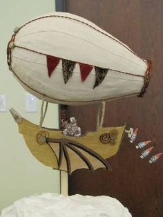 Steampunk airship, on a cake! - PAPER CRAFTS, SCRAPBOOKING & ATCs (ARTIST TRADING CARDS)