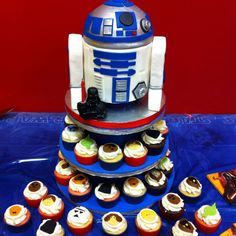 Star Wars cake & Cupcakes - R2D2 - For all your cake decorating supplies, please visit craftcompany.co.uk