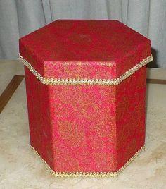 Caixa mdf sextavada revestida com tecido 100% algodão e acabamento interno em E.V.A. WWW.NIKIATELIER.ELO7.COM.BR