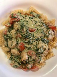 Pasta mit Scampi und Spinat, ein raffiniertes Rezept mit Bild aus der Kategorie Krustentier & Muscheln. 24 Bewertungen: Ø 4,5. Tags: einfach, gekocht, Gemüse, Hauptspeise, Krustentier oder Muscheln, Meeresfrüchte, Nudeln, Pasta, Schnell