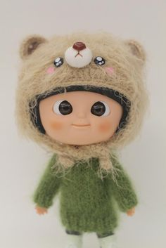 Hand Knit MMC Hat (Brown Bear)