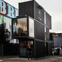 Inspiration for a zig zag container construction Container Buildings, Container Architecture, Cafe Design, Store Design, House Design, Shipping Container Design, Shipping Containers, B Architecture, Container Conversions
