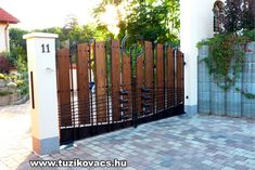 Modern kovácsoltvas kapu