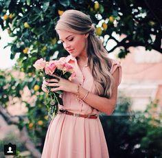 Eleonora Sebastiani Mararo Vintage Dresses, Nice Dresses, Summer Dresses, Spring Summer Fashion, Spring Outfits, Fashion Beauty, Girl Fashion, Feminine Style, Feminine Fashion