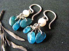 Aqua kyanite nuggets earrings. Pearl earrings. by MADAMBLUEONE