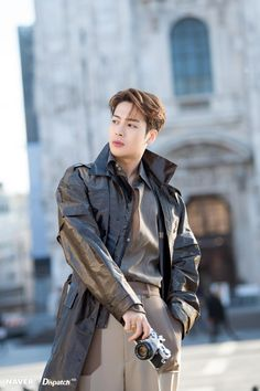 NAVER x Dispatch Jackson Wang our friendly and swag china man Jackson Wang looking nice and hot as all ways this is for fans enjoy I many more hehe Got7 Jackson, Jackson Wang, Got7 Yugyeom, Got7 Jinyoung, Park Jinyoung, Girls Girls Girls, Jaebum, Junior Got7, K Pop