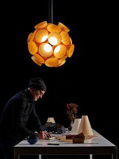 DesignOrt Blog: Designer im Portrait: Burkhard Dämmer #Dandelion Pendelleuchte aus Holzfurnier für LZF