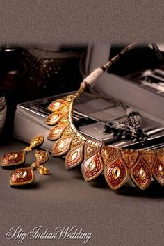 Terrific Photos tanishq Bridal Jewellery Popular Out of wedding rings as well as earrings to help jewelry in addition to pendants, is really a few pi Indian Wedding Jewelry, Bridal Jewelry, Indian Weddings, Bridal Shoes, Tanishq Jewellery, Girls Jewelry Box, White Gold Jewelry, Gold Jewellery Design, India Jewelry