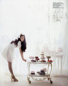 Marie Antoinette sweets | vogue japan, marie antoinette, kakor, cookies, cakes, tårtor