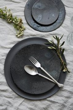 Trying to find the Best Plate & Silverware Rentals in Los Angeles, CA? Discover Greystone Table & explore our collection of Minimal Flatware Rentals. Traditional Flatware, Bühnen Design, Large Plates, Matte Satin, Teller, Ceramic Artists, Shades Of Black, Ceramic Pottery, Jasper