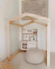 - Alli Havrilla - I couldn't be happier how this little play corner turned out. Kid Spaces, Living Spaces, Solar Licht, Living Room Decor, Bedroom Decor, Home Remodeling Diy, Toy Rooms, Playroom Decor, Big Girl Rooms