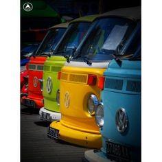 volkswagen kombis VW & Colour - could this be any more perfect? Volkswagen Transporter, Volkswagen Bus, Vw Camper, Vw Caravan, Vw T1, Volkswagen Beetles, Combi Vw T2, Combi Ww, Vans Vw
