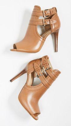 Hot Shoes, Shoes Heels, Pumps, Stilettos, Shoes Sneakers, Flats, Pretty Shoes, Beautiful Shoes, Shoe Wardrobe
