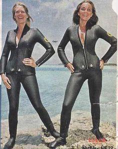 vintage scuba more scubas diver Women's Diving, Diving Suit, Dive Shop, Scuba Girl, Womens Wetsuit, Black Suits, Photos Of Women, Leather Pants, Sexy Women
