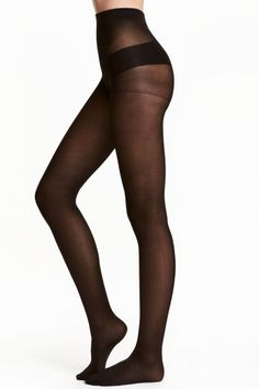 70 denier support tights: Semi-opaque tights that shape the tummy, thighs and calves while also encouraging blood circulation in the legs. Elasticated waist. 70 denier.