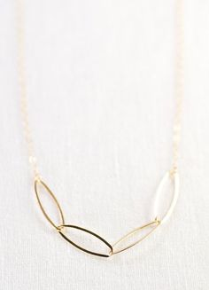 necklace gold delicate