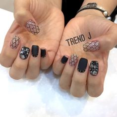 See this Instagram photo by @nail_trendj • 33 likes