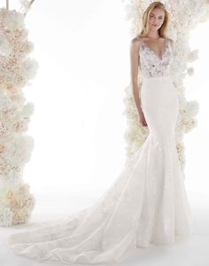 Beautiful and enchanting ivory mermaid dress in crepe cady and floral lace bodice, elegant sequins and bright details. Mermaid Dresses, Bridal Dresses, Pronovias Dresses, Nicole Fashion, Designer Wedding Gowns, Different Dresses, The Dress, Elegant, Beautiful Bride
