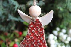 Weihnachtsdeko - Anhänger Engel - ein Designerstück von Atelier-Keramixx bei DaWanda Diys, Christmas Ornaments, Holiday Decor, Leprechaun, Clay, Pottery, Atelier, Christmas Clay, Pottery Ideas