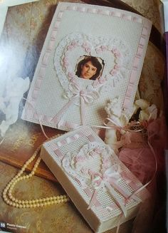 Projects include: Teapot Tissue cover Photo album cover Kitchen organizers Southwest silhouette Animal dolls Mug and napkin ring Sampler
