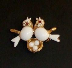 Adorable Vintage White Bird Pair Nest w Eggs Brooch Enamel Milk Glass Bellies | eBay https://www.facebook.com/AColourfulPast