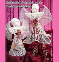 x 6 4 aum. Crochet Poncho, Crochet Dolls, Free Crochet, Crochet Christmas Trees, Holiday Crochet, Crochet Necklace Pattern, African Flowers, Crochet Flowers, Sewing Tutorials