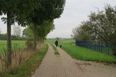 2014-10-26 Op de Weg naar het Ganzenei kom je ook langs Het Fort, een woning in het dijklandschap
