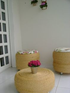 Puffs made with tires Eco Deco, Fun Crafts, Diy And Crafts, Tire Craft, Tire Furniture, Used Tires, Tyres Recycle, Diy Casa, Idee Diy