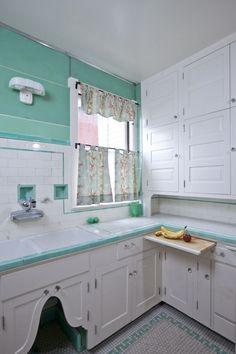 1929 vintage kitchen.: