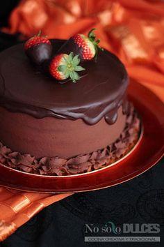 Una tarta muy vistosa y rica, con una combinación de sabores clásico que gusta a todo el mundo.