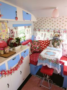 Adorable, colorful & cheerful vintage trailer redo, glamping style