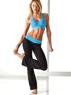 Work it. The Supermodel™ Pant from VSX Sexy Sport makes fitness fashionable with a body-hugging fit and flared bootcut hem.