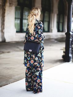 Paisley print ensemble + black structured bag