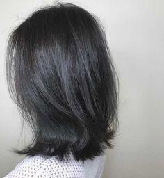 50 shades of grey hair colours by Singaporean hairstylists - Haar farben Dark Grey Hair Color, Black And Grey Hair, Blue Grey Hair, Hair Color Purple, Dark Hair, Black Hair Colors, Lilac Hair, Pastel Hair, Green Hair