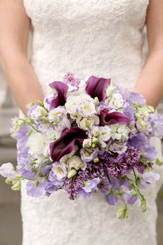 Purple and white wedding bouquet with calla lilies, lilacs and lisianthus {Kyo Morishima Photography}