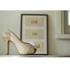 THELOVEL(@the_lovel_costume)のウエディングシューズは、結婚後も長く使って頂けるように純国産にこだわりました。  靴の都の神戸で職人が心を込めて制作をしています。 結婚式が素敵な出発になりますように。  #thelovel #fivestarwedding #wedding  #weddingdress #bridal #プレ花嫁 #プレ花嫁卒業 #花嫁 #結婚式準備 #結婚式 #ノートルダム #ファイブスターウェディング #ウェディング#instawedding #instabride #weddingday #weddingshoes #marry #2017wedding #ブーケ #bouquet #ウェディングシューズ #ドレス試着 #2016wedding #2016夏婚 #2016秋婚 #卒花嫁 #weddingtbt#bridetobe