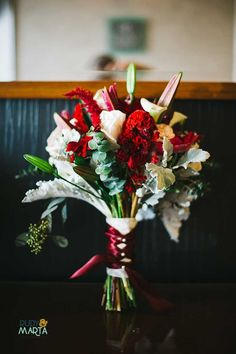 red and white bouquet on blue sofa 14 Fall Inspired Wedding Bouquets Orange Blossom Bride | Orlando Wedding Blog #orlandoweddingflorist Bridal Bouquet Fall, Flower Bouquet Wedding, Bridal Bouquets, Orlando Wedding, Orange Blossom, Fall Wedding, Wedding Ideas, Beautiful Flowers, Wedding Decorations