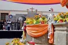 Universitarios BUAP celebran Día de Muertos