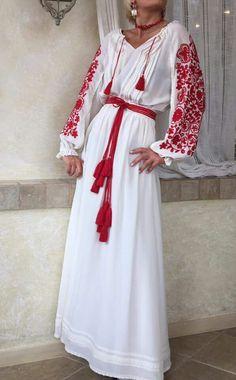Українська вишивана сукня