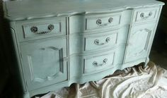 It's amazing how the paint just brings these vintage pieces to life!