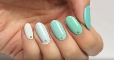 Mint Nails Make For The Perfect Winter Look