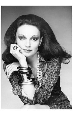 """My Big Goal Was to Create a Fashion Family""-Diane von Furstenberg Discusses Her 13 Years as the Head of the CFDA - Vogue Vogue Fashion, New York Fashion, 1974 Fashion, Vintage Fashion, Fashion News, Style Fashion, Diane Von Furstenberg, Fashion Calendar, Diana Vreeland"