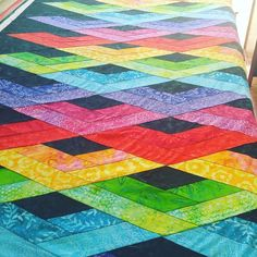 Beautiful customer quilt before quilting. FOLLOW @Gina__Henry @bordercityquilts #hexagon #quiltville #HalfAndHalfQuilt #Quilting #bonniekhunter #hypnotixhexagons #msqcshowandtell #patchwork #purple #modernquilt #sew #annamariahorner #quilted #sewing #mansewing
