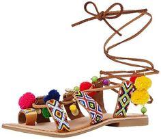 Scarpe estive, 13 sandali con i pon pon particolari e fashion