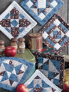 Quilting - Kitchen Patterns - Pot Holder Patterns - Six Mosaic Pot Holders - Quilted Pot Holder Patterns Quilting Projects, Quilting Designs, Sewing Projects, Potholder Patterns, Quilt Block Patterns, Small Quilts, Mini Quilts, Fabric Crafts, Sewing Crafts