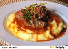 Czech Recipes, Ethnic Recipes, Mashed Potatoes, Beef, Food, Whipped Potatoes, Meat, Smash Potatoes, Hoods