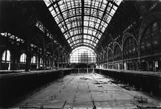 Musée d'Orsay during renovation from train station to museum, Paris, 1985 — mit Musée d'Orsay (officiel) hier: Musée d'Orsay (officiel).