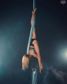 211 отметок «Нравится», 5 комментариев — Lilia Morozova (@damasklilly) в Instagram: «My favorite photoshoot with @phototania А вам нравятся фото с дымком? #aerialsilks #aerialist…»